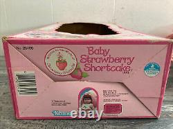 RARE 1982 BABY STRAWBERRY SHORTCAKE Vintage 13 Blow Kiss Doll with BOX #26400