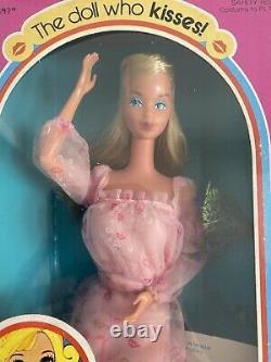 Vintage Kissing Barbie 1978 NRFB beautiful RARE