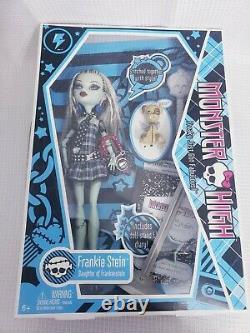 2009 Mattel Monster High Frankie Stein 1st First Wave Rare Damaged Box