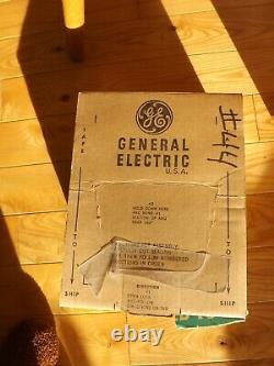 Boîte D'affichage De Noël De Glace Lumineuse Rare De Cru Pleine Des Nouvelles Ampoules De Travail