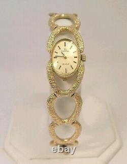 Élégant 14 K Solid Gold Omega Deville Rare Vintage C. 1968 Montre-bracelet Avec Boîte