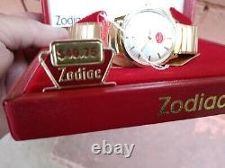 Excellent Nos Vintage Zodiac Hermetic Dr. Pepper Ultra Rare Mens Watch Avec Boîtes
