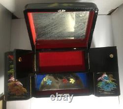 Japonais. Black Laquer Bijoux, Musique Box Lights Rare Ship Inside Box Vintage