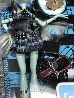 Monster High Frankie Stein Première 1ère Vague Nouvelle Rare Scellée Dans La Boîte Mattel Doll