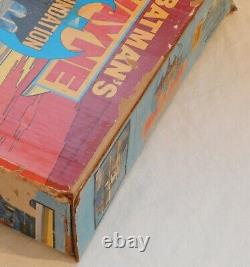 Rare 1977 Original Vintage Mego DC Comics Batman Wayne Foundation Playset Avec Box