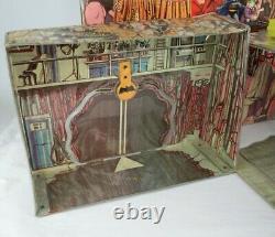 Vintage 1974 Mego Rare Grande Boîte Batman Batcave Playset De Travail Bat Signal